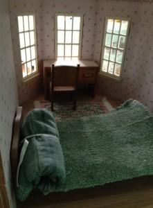 DollhouseMasterBedroom